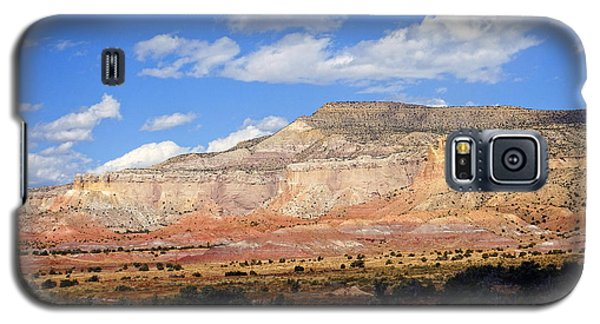 Galaxy S5 Case featuring the photograph Ghost Ranch New Mexico by Kurt Van Wagner