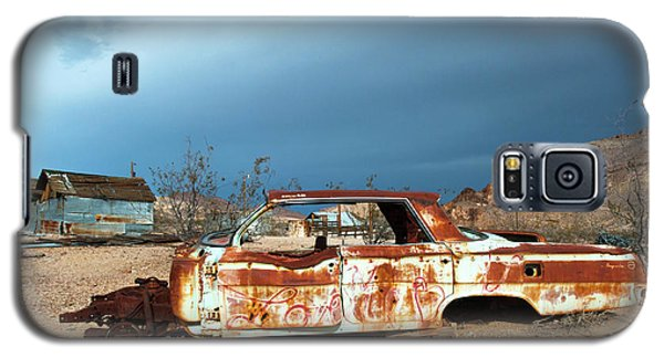 Galaxy S5 Case featuring the photograph Ghost Town Old Car by Catherine Lau