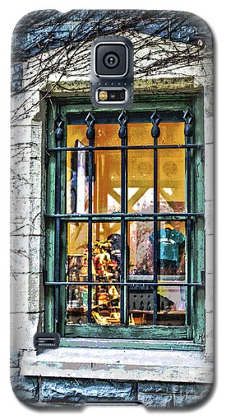 Galaxy S5 Case featuring the photograph Gift Shop Window by Sandy Moulder