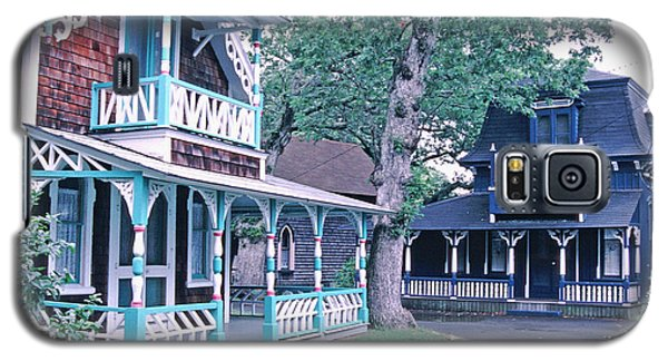 Galaxy S5 Case featuring the photograph Gingerbread Houses Oak Bluff Martha's Vineyard by Tom Wurl