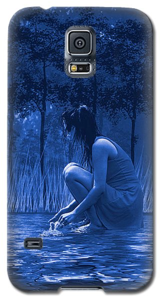 Galaxy S5 Case featuring the photograph Girl Washing At The River by Diane Schuster