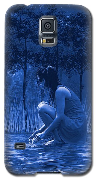Girl Washing At The River Galaxy S5 Case