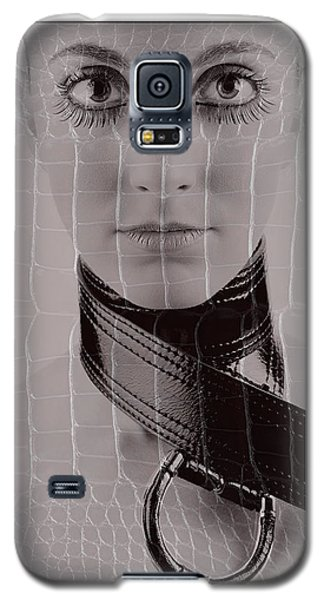 Girl With Big Eyes Galaxy S5 Case by Michael Edwards
