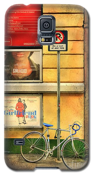Galaxy S5 Case featuring the photograph Girlfriend Bicycle by Craig J Satterlee