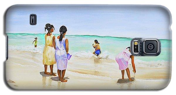 Girls On The Beach Galaxy S5 Case by Patricia Piffath