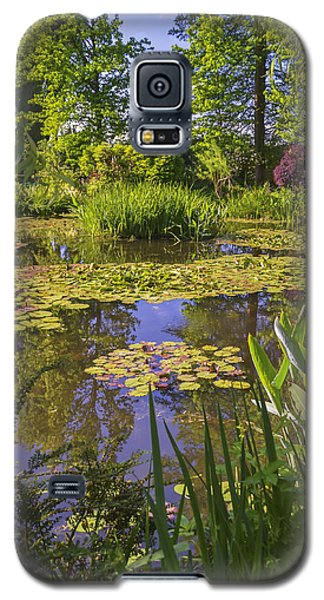 Galaxy S5 Case featuring the photograph Giverny France - Claude Monet's Pond  by Allen Sheffield