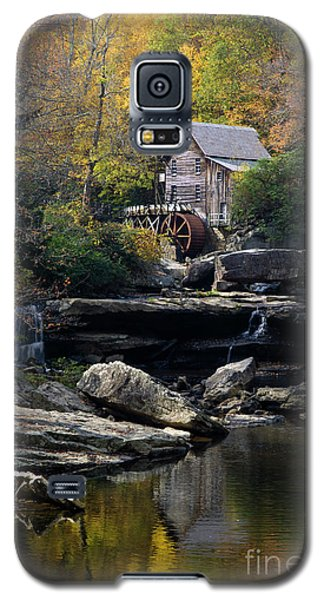 Galaxy S5 Case featuring the photograph Glade Creek Grist Mill - D009975 by Daniel Dempster