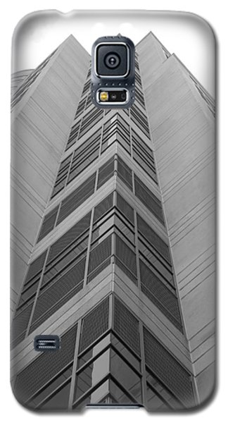 Galaxy S5 Case featuring the photograph Glass Tower by Rob Hans