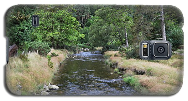 Galaxy S5 Case featuring the photograph Glendasan River. by Terence Davis