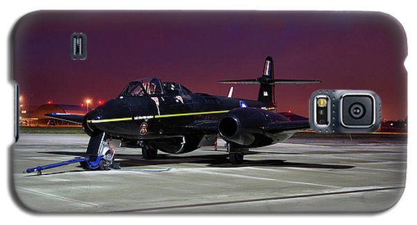 Galaxy S5 Case featuring the photograph Gloster Meteor T7 by Tim Beach