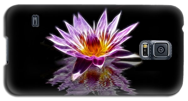 Glowing Lilly Flower Galaxy S5 Case by Shane Bechler