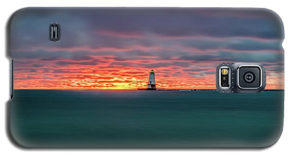 Glowing Sunset On Lake With Lighthouse Galaxy S5 Case