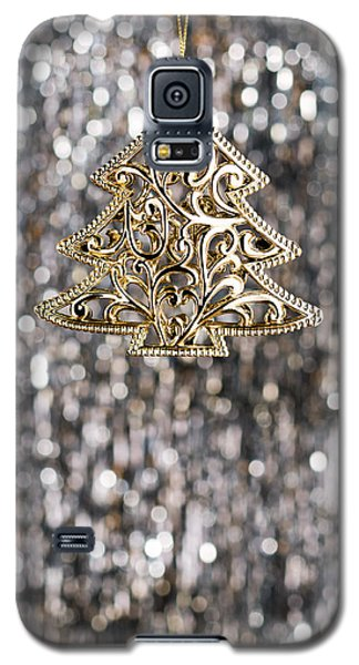 Galaxy S5 Case featuring the photograph Gold Christmas Tree by Ulrich Schade