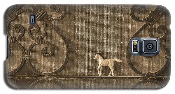 Gold Nostalgia Galaxy S5 Case