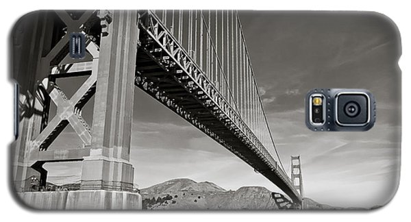 Golden Gate From The Water - Bw Galaxy S5 Case by Darcy Michaelchuk