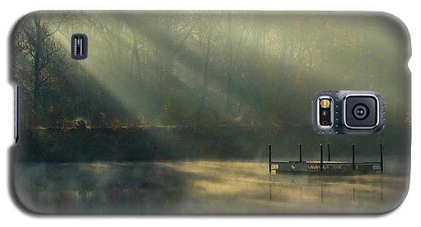 Galaxy S5 Case featuring the photograph Golden Sun Rays by George Randy Bass