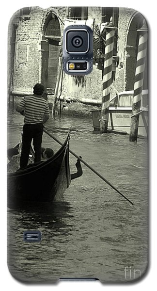 Gondolier In Venice   Galaxy S5 Case