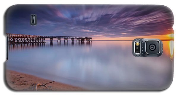 Galaxy S5 Case featuring the photograph good morning Mr. Sun   by Edward Kreis