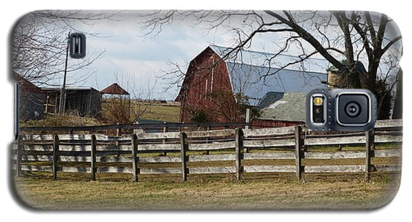 Galaxy S5 Case featuring the photograph Good Old Barn by Donald C Morgan