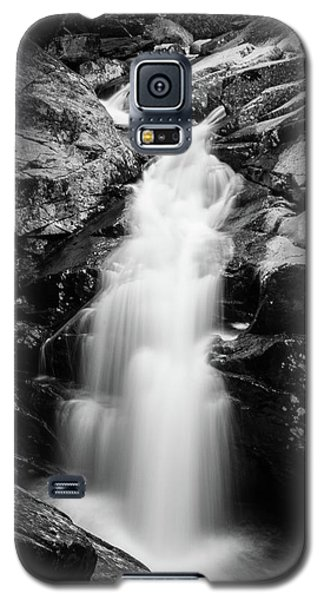 Gorge Waterfall In Black And White Galaxy S5 Case