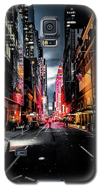 Galaxy S5 Case featuring the photograph Gotham  by Nicklas Gustafsson