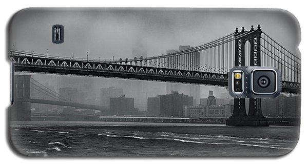 Manhattan Bridge In A Storm Galaxy S5 Case