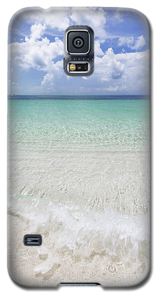 Galaxy S5 Case featuring the photograph Grace by Chad Dutson