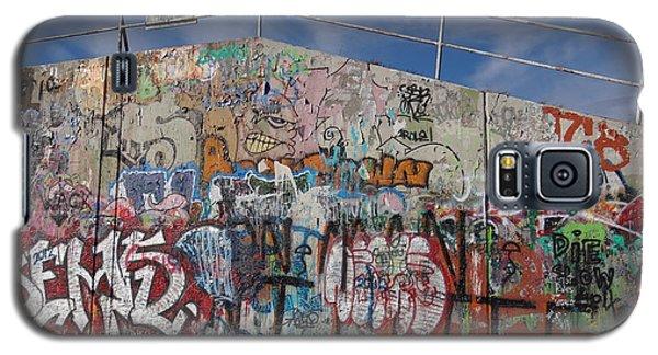 Graffiti Wall Galaxy S5 Case by Julia Wilcox