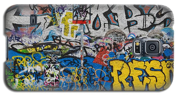 Grafitti On The U2 Wall, Windmill Lane Galaxy S5 Case by Panoramic Images