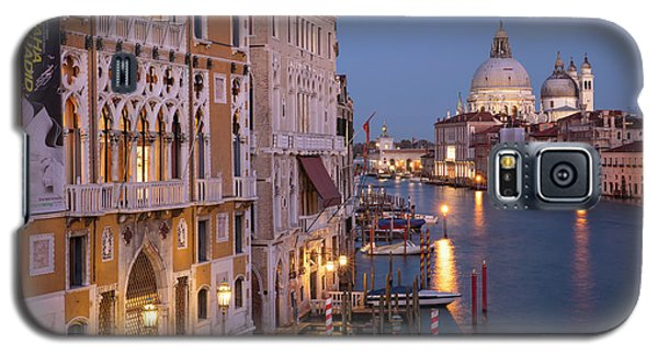 Galaxy S5 Case featuring the photograph Grand Canal Twilight by Brian Jannsen