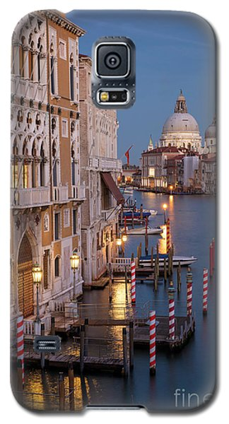 Galaxy S5 Case featuring the photograph Grand Canal Twilight II by Brian Jannsen
