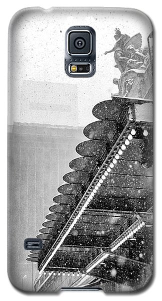 Grand Central Snow Day Galaxy S5 Case by Dave Beckerman