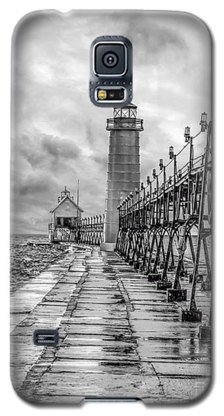 Grand Haven Lighthouse - Monochome Galaxy S5 Case