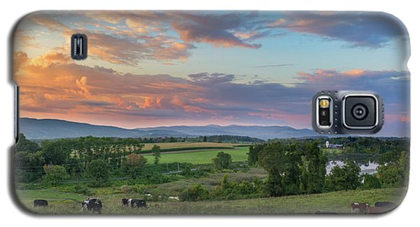 Grazing At Sunset Galaxy S5 Case