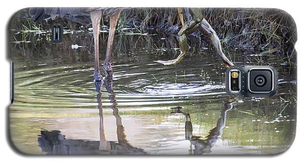 Great Blue Heron Vs Huge Frog Galaxy S5 Case by Ricky L Jones