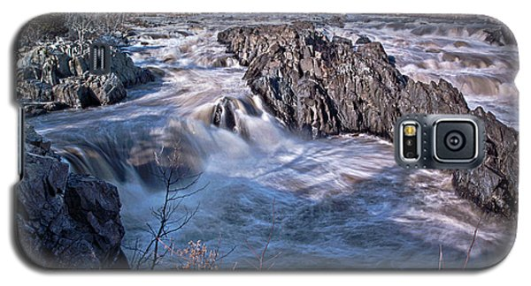 Galaxy S5 Case featuring the photograph Great Falls Virginia by Suzanne Stout