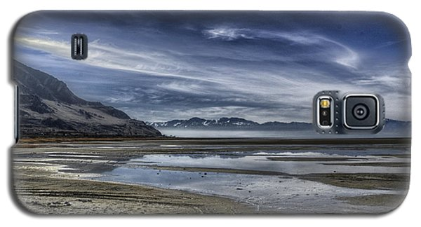 Galaxy S5 Case featuring the photograph Great Salt Lake Vista by Wendell Thompson