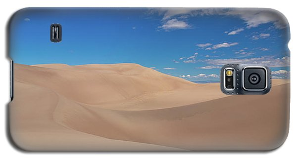 Great Sand Dunes Under A Blue Sky Galaxy S5 Case