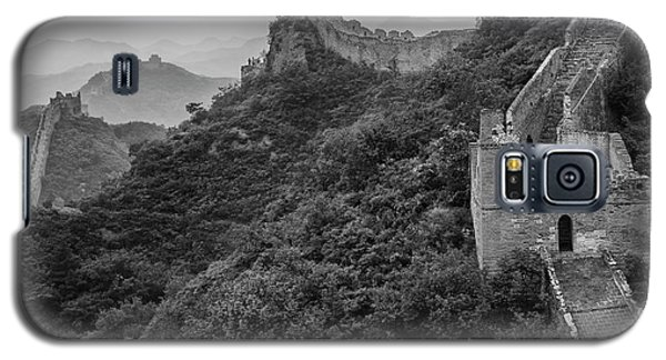 Galaxy S5 Case featuring the photograph Great Wall 3, Jinshanling, 2016 by Hitendra SINKAR