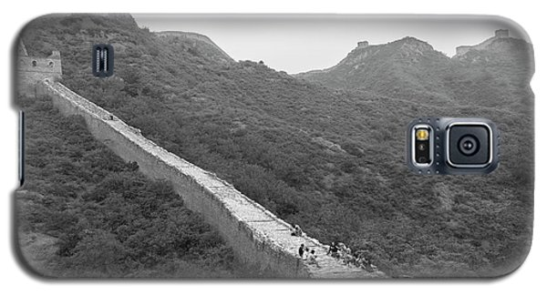 Galaxy S5 Case featuring the photograph Great Wall 4, Jinshanling, 2016 by Hitendra SINKAR