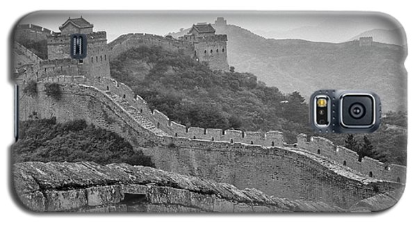 Galaxy S5 Case featuring the photograph Great Wall 7, Jinshanling, 2016 by Hitendra SINKAR