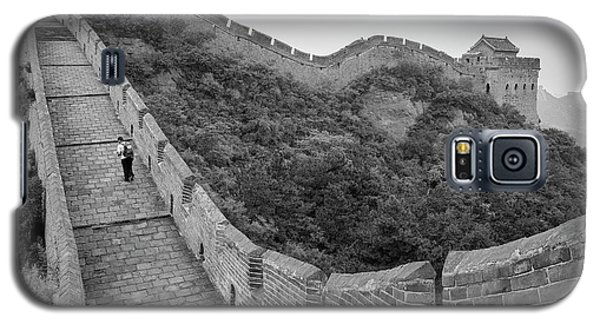 Galaxy S5 Case featuring the photograph Great Wall 9, Jinshanling, 2016 by Hitendra SINKAR