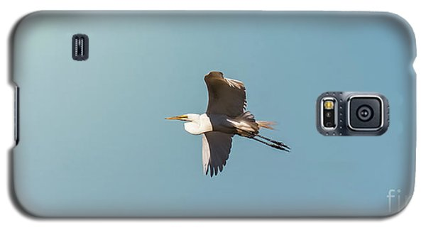 Galaxy S5 Case featuring the photograph Great White Egret In Flight by Robert Frederick