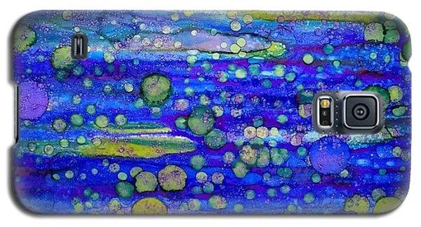 Green Bubbles In A Purple Sea Galaxy S5 Case