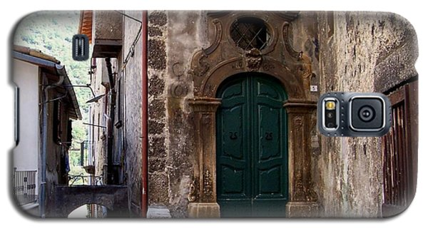 Galaxy S5 Case featuring the photograph Green Door by Judy Kirouac