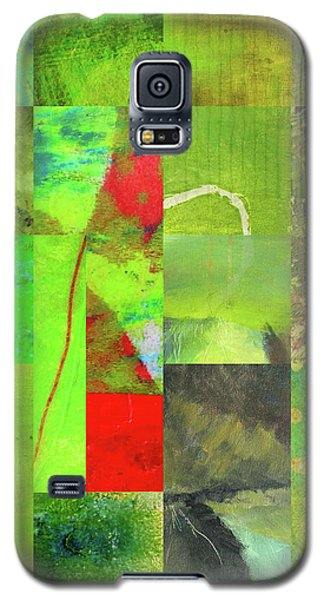 Galaxy S5 Case featuring the digital art Green Grid by Nancy Merkle