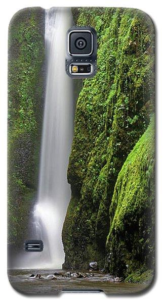 Galaxy S5 Case featuring the photograph Green Slot Canyon by Jonathan Davison