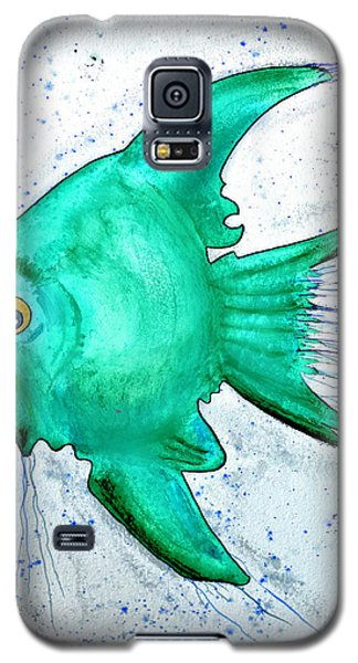 Galaxy S5 Case featuring the mixed media Greenfish by Walt Foegelle