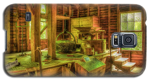 Galaxy S5 Case featuring the photograph Grindingworks Mingus Mill Great Smoky Mountains Art by Reid Callaway