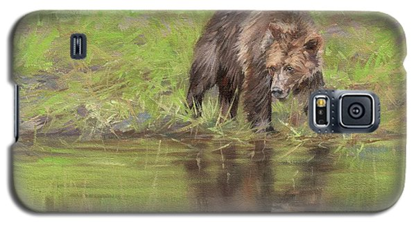 Grizzly Bear At Water's Edge Galaxy S5 Case